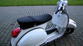 8. Vespa PX 150 -11 Roller/Scooter weiss 2011