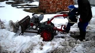 Мотоблоківець Павло 2. Мотор Січ. Прибирання снігу