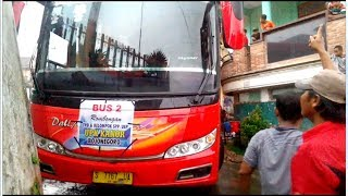 Video menguji skill sopir bus -  putar balik di gang sempit MP3, 3GP, MP4, WEBM, AVI, FLV Juni 2018