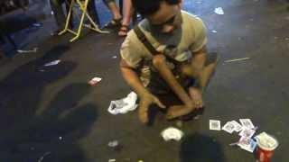 Czarodziej z super-mocami na ulicach Bangkoku!