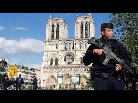 Γαλλία: Ταυτοποιήθηκε ο δράστης της Νοτρ Νταμ