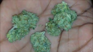 Grinding a Gram of Weed (Up-Close) by THCtemple