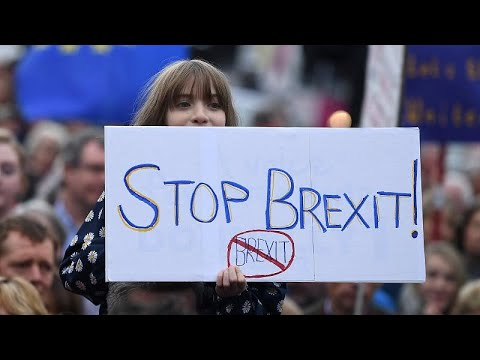 Brexit: Διαψεύδει συμφωνία με τις Βρυξέλλες η Μέι