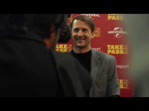 Gaizka Mendieta – Premier documental Take the Ball Pass The Ball