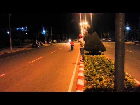 duaxe - http://www.facebook.com/VietNamRacingBoy Tags : đua xe Miền Tây , Đua Xe Kinh hoàng , Quái xế , Đua xe Tốc Độ , tốc độ ánh sáng , Đua Xe Mỹ Tho.