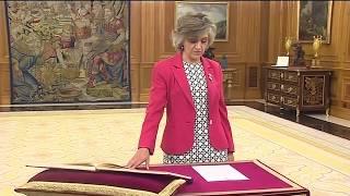 La nueva Ministra de Sanidad, María Luisa Carcedo, promete su cargo ante S.M. el Rey