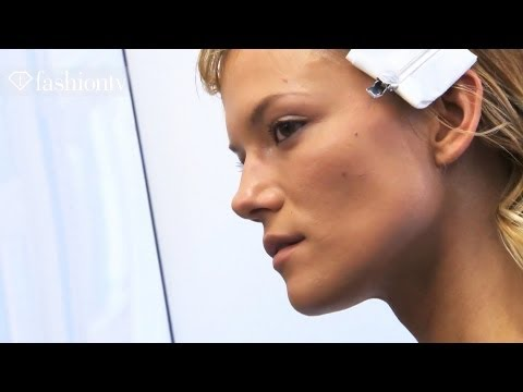 MODEL TALKS - SUBSCRIBE: http://bit.ly/FashionTVSUB http://www.FashionTV.com/videos WORLD - Polish-born model Kassia Struss with Women modeling agency was born on November...