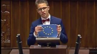 """Jeśli tak wygląda przyszłość, to my dziękujemy. Przemówienie ucznia smutnym hitem Dnia Dziecka. """"UE musi być zniszczona"""""""