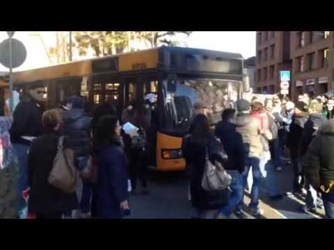 Forconi, cori e blocco della circolazione a Gallarate