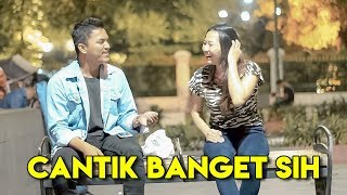 Video GILA!! Nembak Cewek Cantik Gak Dikenal - Jomblo Wajib Nonton!! Prank Indonesia MP3, 3GP, MP4, WEBM, AVI, FLV April 2019