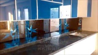 mutfak tezgah arası cam paneller