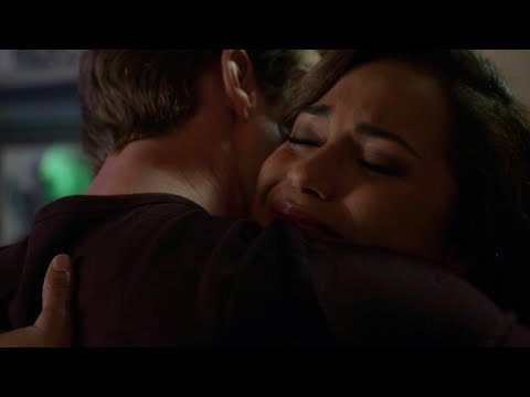 Chicago fire season 4 episode 1 - Gabby tells Matt she's pregnant