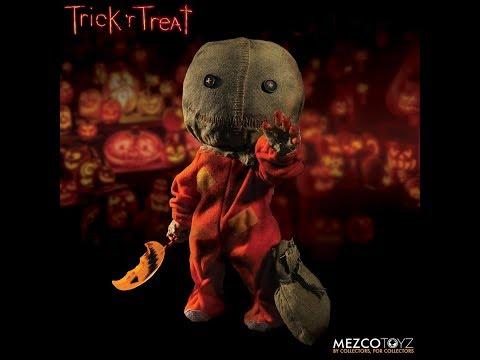 "Mezco Toyz 15"" Mega Scale Trick 'r Treat Sam"