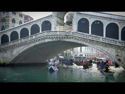 Βενετία: Έκλεψε τις εντυπώσεις η έναρξη του Καρναβαλιού