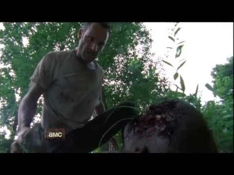 The Walking Dead Season 2 (First Look)
