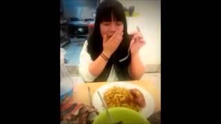 Gimhae-si South Korea  city photos gallery : Reaksi Gadis Korea Pertama Kali Makan Nasi Goreng Di Restoran Indonesia di Kota Gimhae