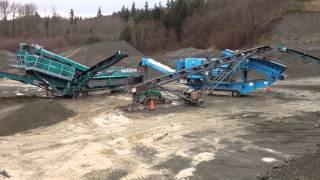 Video Powerscreen Track Crushing Plant Chieftain 2100 Pegson 1300 Cone Chieftain 1700 & M95 Conveyor.MOV MP3, 3GP, MP4, WEBM, AVI, FLV Mei 2019