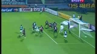 Gol de Valdivia marcado na partida entre Palmeiras e Vitória, válida pelo campeonato brasileiro de 2008. Narração de José...