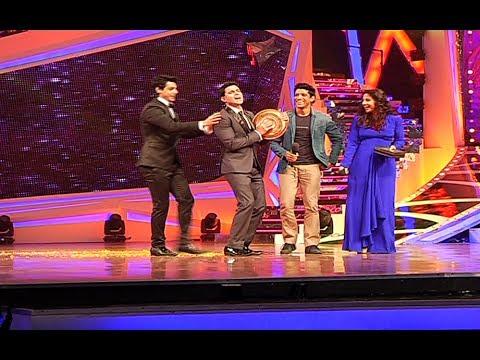 Farhan And Vidya On The Grand Finale of Nach Baliye 6.