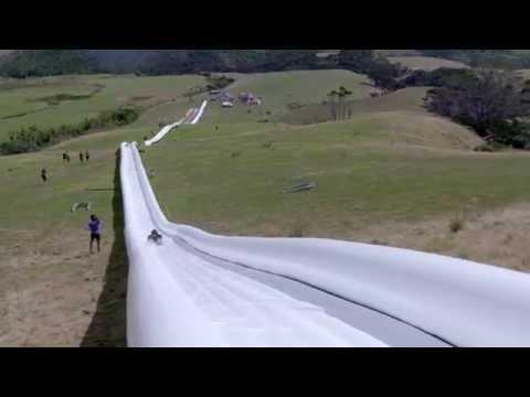 史上最長的610公尺滑水道登場!但去之前請先做好死亡準備......