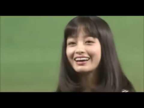 橋本環奈始球式 Japanese woman Massage for relaxing after watching baseball (видео)