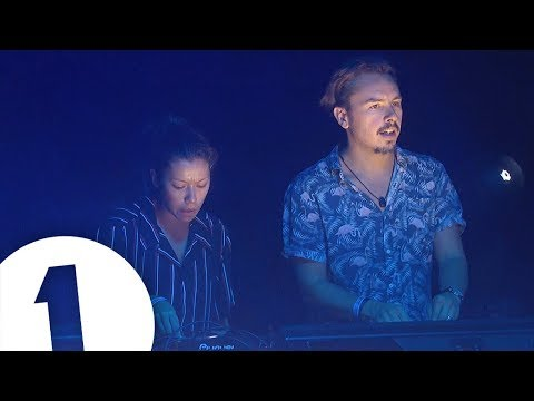 Monki B2b Purple Disco Machine - Radio 1 In Ibiza 2018 - Café Mambo | Flashing Images