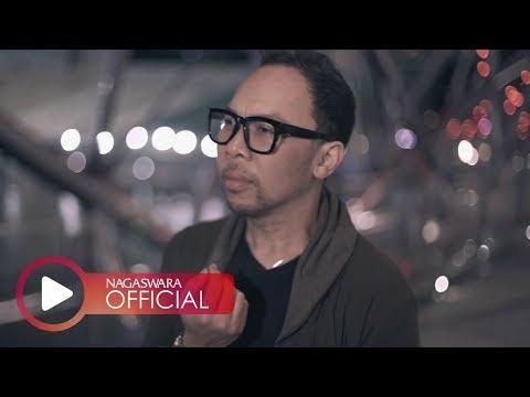 Download Lagu Ren Tobing - Tengah Malam (Official Music Video NAGASWARA) #music Music Video