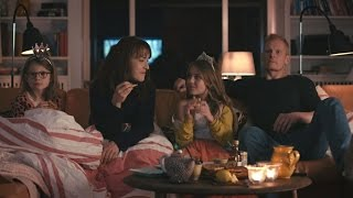 Watch the first episode for free here:http://link.tv2.dk/Splitting1Line and Martin have it all. Good jobs, beautiful kids, great friends, a nice house, a garden and a cat that only comes home to take a shit. But their love is worn out, the midlife crisis is knocking on their door and their sex life is already dead and buried. So Line decides that she wants a divorce whilst they can still stand each other's company. They put their house on the market only to realize that there are NO buyers, so the ex-couple decide to live together in the house while it is for sale.But that´s easier said than done! Line, who feels that she has been missing out on so much in her life, soon starts living a teenage kind of lifestyle including Tinder and hangovers - whilst Martin experiences a massive identity crisis. But the crisis makes him find not only himself – but also new meaning and a woman, who actually loves him. Meanwhile Line realizes that the grass might not be that much greener on the other side and maybe she isn't really done with Martin after all?