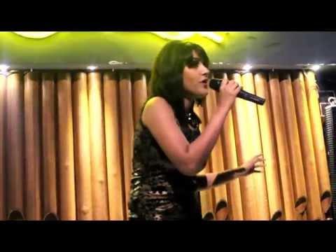 Chittiyaan Kalaiyaan | Live Performance | Sagarika Deb