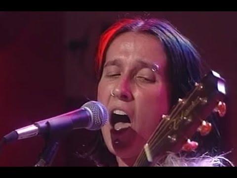 Aterciopelados video Bolero falaz - CM Vivo 1997