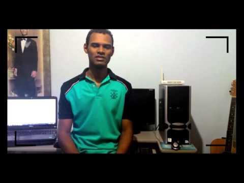 Adônis desenvolveu um dispositivo para auxiliar a locomoção de deficientes visuais.