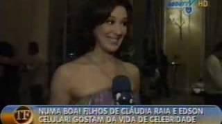 Entrevista feita pelo TV FAMA com o casal, no lançamento do óculos da atriz!