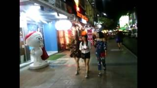 Nonton Walk On The Evening Siam Square Before New Year  Bangkok  December 2017 Film Subtitle Indonesia Streaming Movie Download