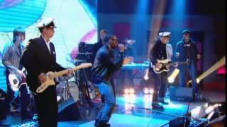 Gorillaz - On Melancholy Hill / Clint Eastwood (Live performance at Jonathan Ross )