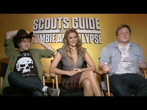 Watch the 'Scouts Guide to the Zombie Apocalypse' Cast Award Themselves Merit Badges