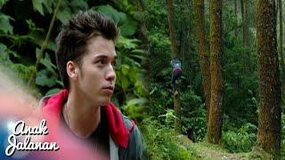 Video Wow Boy Berusaha Panjat Pohon Demi Melihat Jalan [Anak Jalanan] [29 Agustus 2016] MP3, 3GP, MP4, WEBM, AVI, FLV Januari 2019