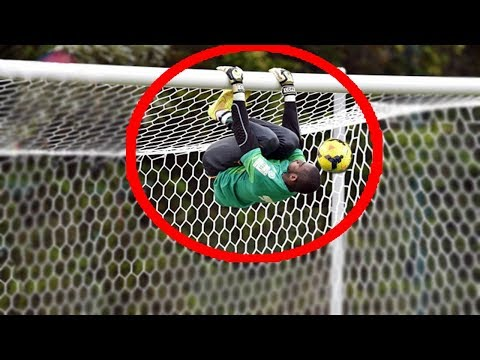 Top 10 Acrobatic Goalkeepers Saves