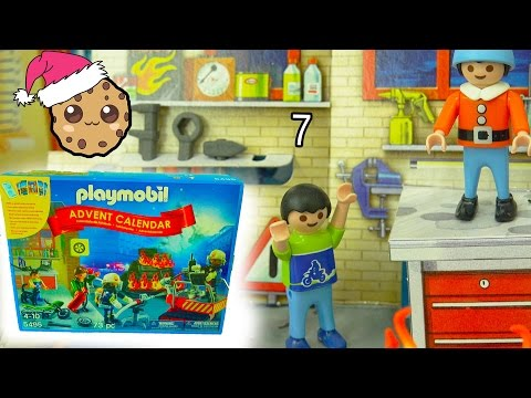 Fire! Playmobil Holiday Christmas Advent Calendar - Toy Surprise Blind Bags  Day 7 (видео)