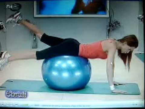 0 Plates Topu İle Kalça Hareketleri Ebru Şallı Plates Topu İle Kalça Çalışması