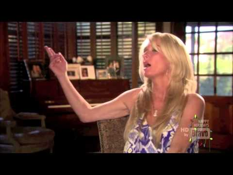 The Real Housewives Of Beverly Hill - Dinner Party Puff