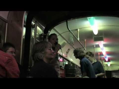 Poetry Slam in der Straßenbahn, Mimi Meister