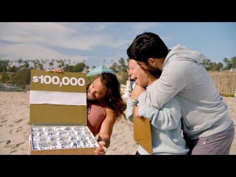 Jason Momoa Surprises Inspiring Couple on 'Ellen's Greatest Night of Giveaways'
