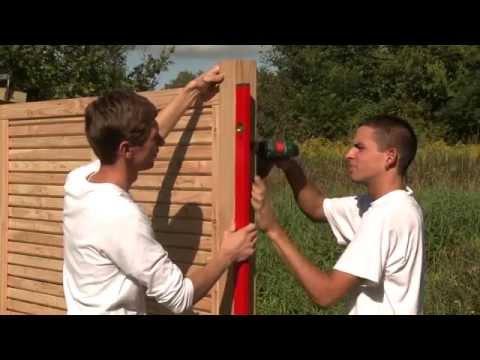 Sichtschutz Zaun aufbauen und montieren Schritt für Schritt