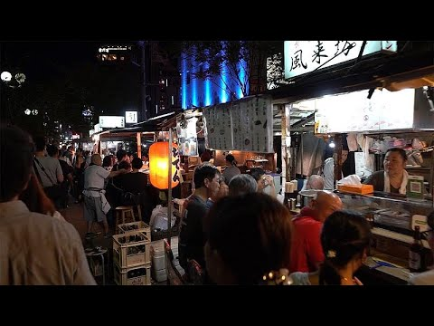 Fukuoka (Japan): Mit dem Yatai japanische Straßenküch ...