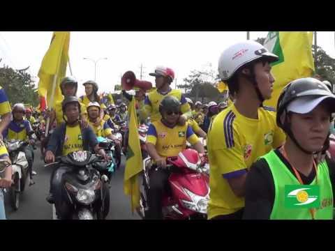 """CĐV SLNA diễu hành """"đại náo"""" Gò Đậu V.League 2016"""