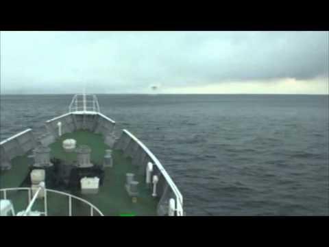 「[地震]航海中の海上保安庁巡視船「まつしま」に到達した巨大津波の映像。」のイメージ