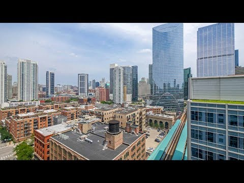A West Loop 2-bedroom, 2-bath with great views at 180 North Jefferson