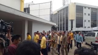 Setya Novanto membantah menerima fee proyek pengadaan e-KTP sebesar Rp 574 miliar