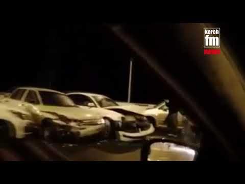 Крымский мост заледенел. «Если не справляетесь с управлением, то тормозите об отбойники»