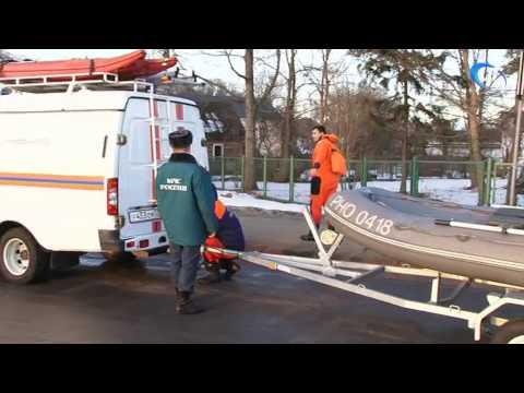 Спасатели МЧС были вызваны на поиски мужчины, спрыгнувшего в Волхов с моста Александра Невского
